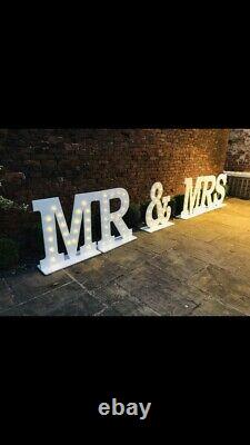 3ft Mr & Mrs Light Up Letters To Hire