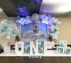 Anniversaire One Special Occasion Display Table Decorative Clear & White Acrylique