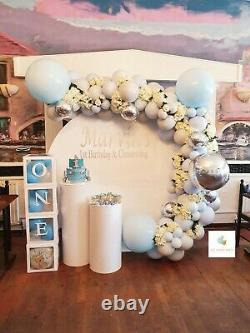Location Seulement Gold Circle Hoop Moongate Backdrop Balloon Garland Plinths Event Hire